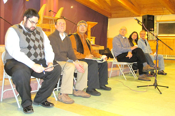 Iqaluit municipal election candidats at the Anglican Parish Hall Dec. 7. From left: Steve Mansell for council, Al Hayward, Paul Kaludjak, Jim Little, and Madeleine Redfern for mayor and Ed DeVries for council. Council candidate Joanasie Akumalik could not attend because he was weathered into Cape Dorset. (PHOTO BY GABRIEL ZÁRATE)