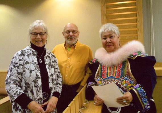 Tom Webster (centre) with his wife, Helen Webster (left) and the late Meeka Kilabuk. (PHOTO COURTESY OF KENN HARPER)