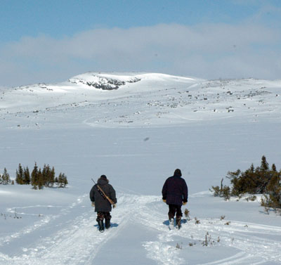 Hunters head out onto the land outside of Kangiqsualujjuaq. New legislation requires all of Quebec's firearms owners to register their weapons, but Makivik Corp. maintains Inuit should be exempt. (FILE PHOTO)